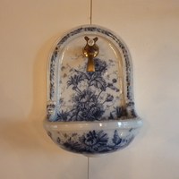 "Wall-Fixing ""Fountain"" Basin with Blue Transfers C.1890"