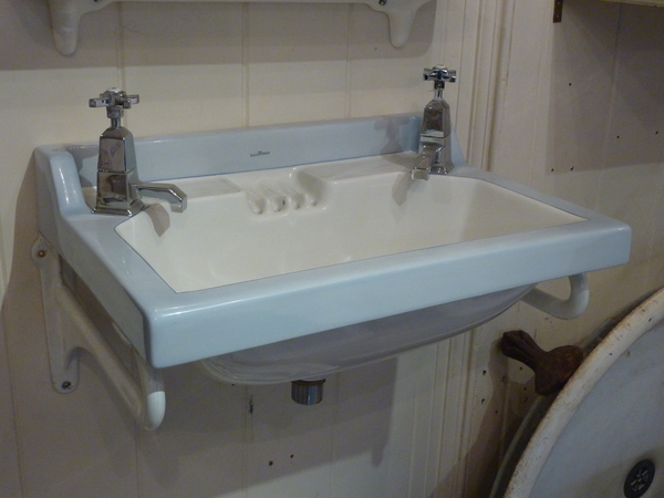 "The ""Illustrious"" Art Deco Basin with Enamel Brackets C.1920"
