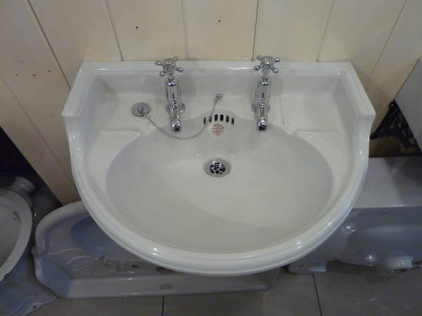 Victorian Cloakroom Basin by J Bolding & Sons, London W