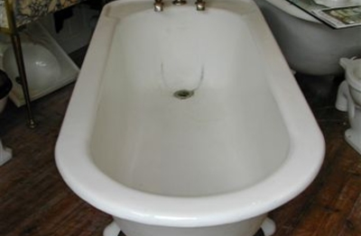 Large Free-Standing Roll Top Plunger Bath by Shanks & Co, C.1930