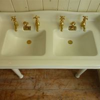 Jacob Delafon, Paris Double Basin with Splasback C.1900