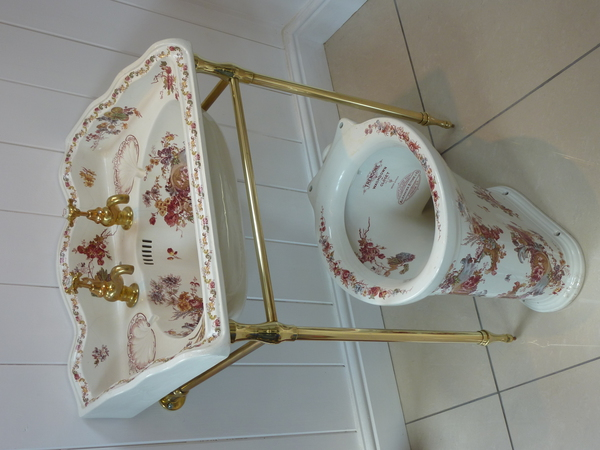 Matching Victorian Polychrome Basin and WC C.1890