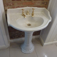 Gothic French Basin & Pedestal C.1880