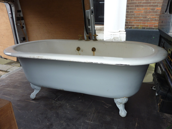 """STANDARD"" American Double-Ended Large Roll Top Bath C.1930"
