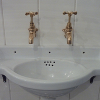 Compact French Cloakroom Basin C.1920