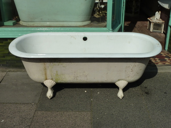 Large French Double Ended Bath with Shell and Claw Feet C.1920